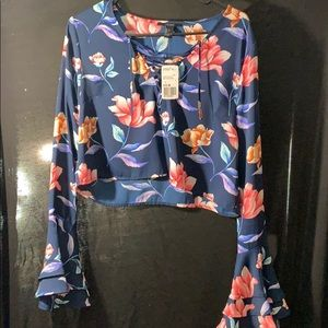 Super cute flowery shirt